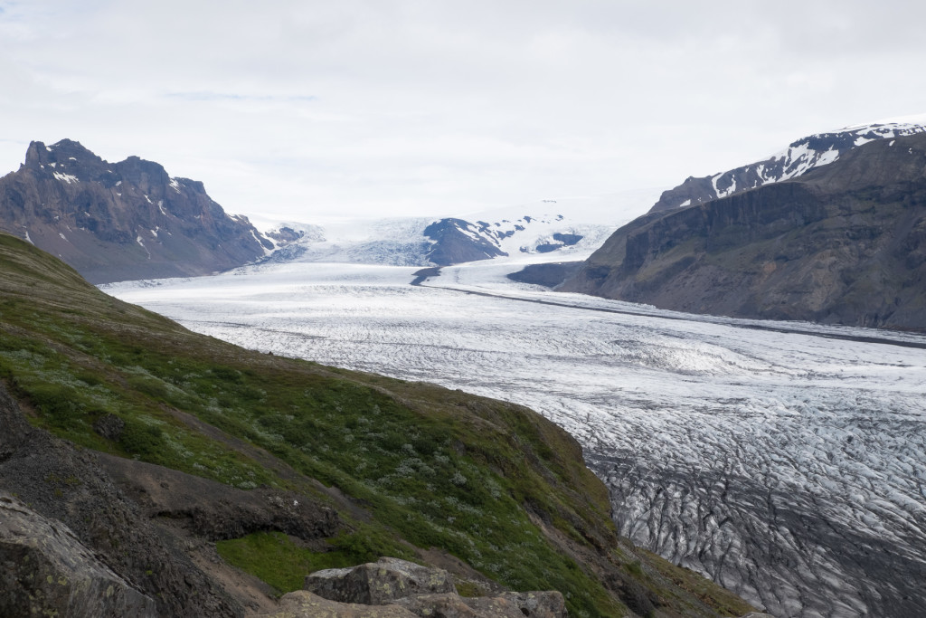Photo 13. Skaftafellsjökul Glacier with bands of ash, and medial moraine visible
